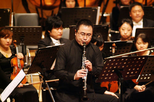"""舒曼""""为单簧管与钢琴之幻想小品""""-(深圳交响乐团单簧管首席衣丞)"""